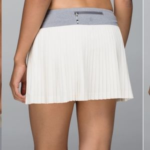Lululemon pleat to street skirt size 10